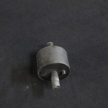 Engine mount/bushing set made by Meyle – 300 118 1105