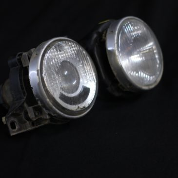 "E30 Euro headlights set – ""smileys"" made by Bosch"